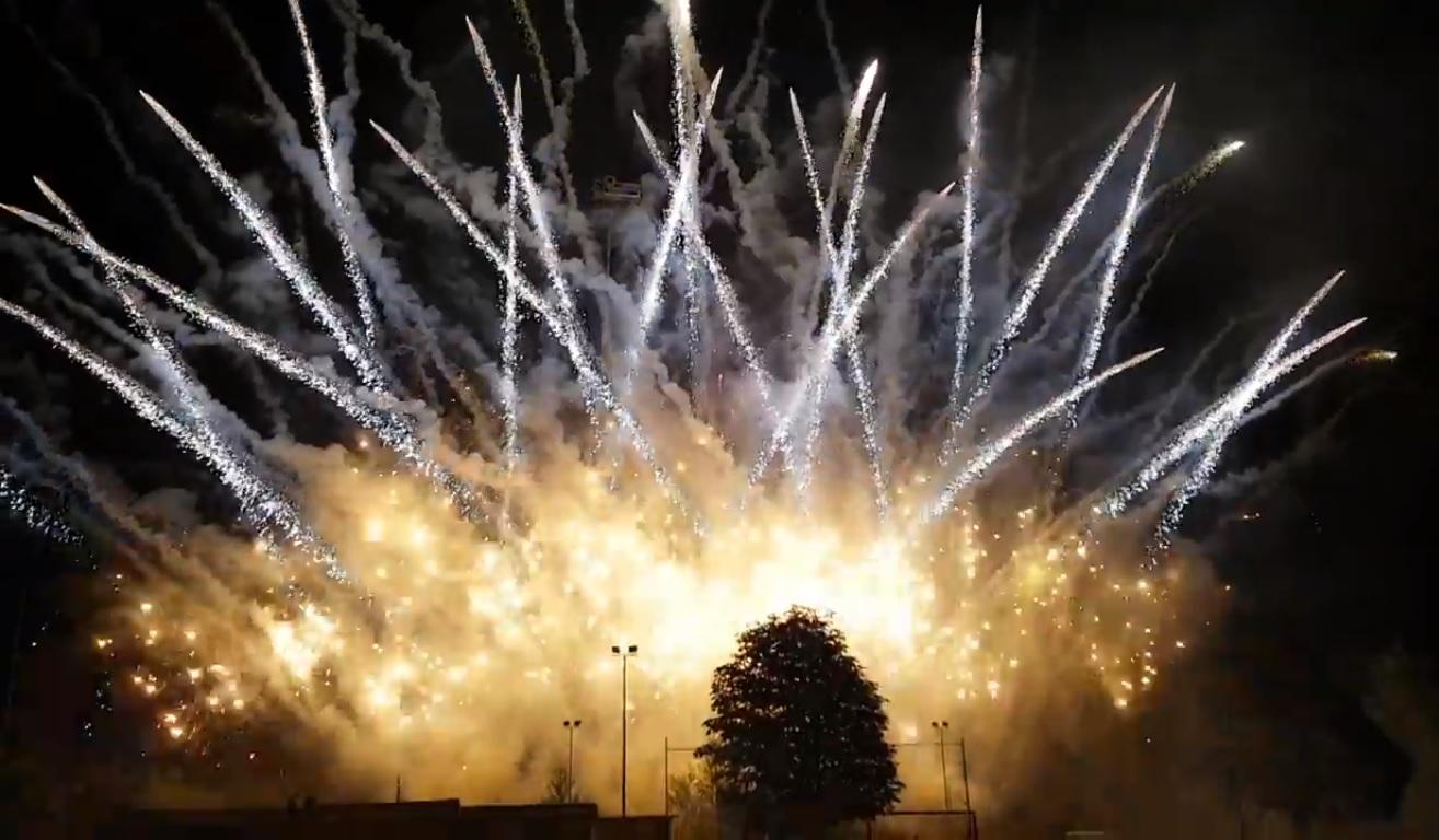 Fuochi d'artificio a Carrosio per Santa Croce