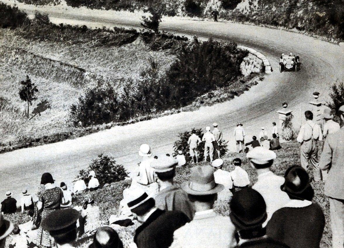 Sfilata di auto storiche con la Pontedecimo-Giovi