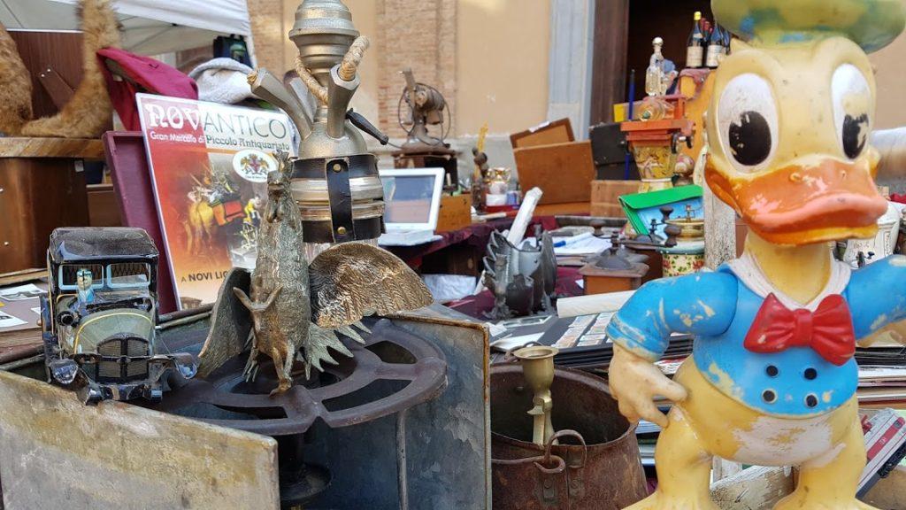 novantico mercato di antiquauriato a Novi Ligure