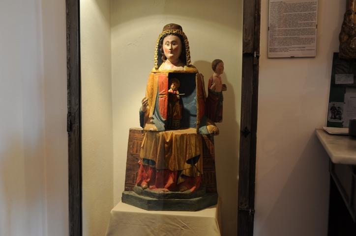 Castello di Pozzolo Formigaaro _cultura di legno policromo